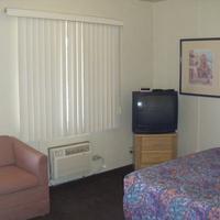 Copper Cactus Inn Guest room