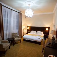 Twins Hotel Guestroom