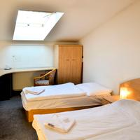 Hotel Inturprag Guestroom