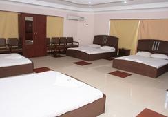 Fabhotel Beach Park Resort - เชนไน - ห้องนอน