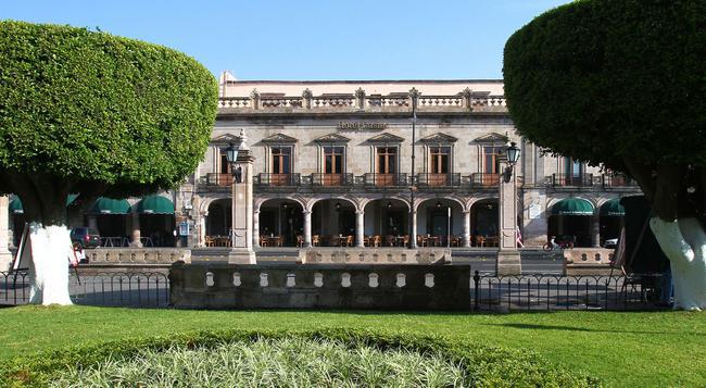 Hotel Casino Morelia - Morelia - Building