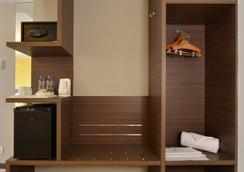 Holiday Inn Express Ahmedabad Ashram Road - อาเมดาบัด - ห้องนอน