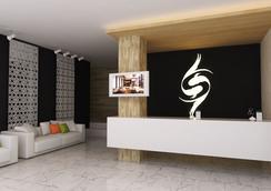 The Wings Boutique Hotels - เกาะลันตา - สถานที่ท่องเที่ยว