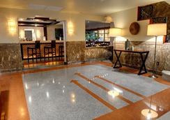 Essex House Hotel - ไมอามีบีช - ล็อบบี้