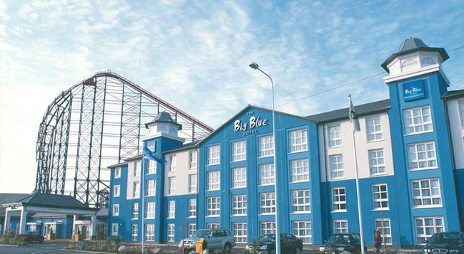 Big Blue Hotel - Blackpool - Building