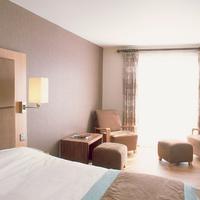 Big Blue Hotel Guestroom
