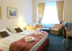 Hotel Mira - ปราก - ห้องนอน
