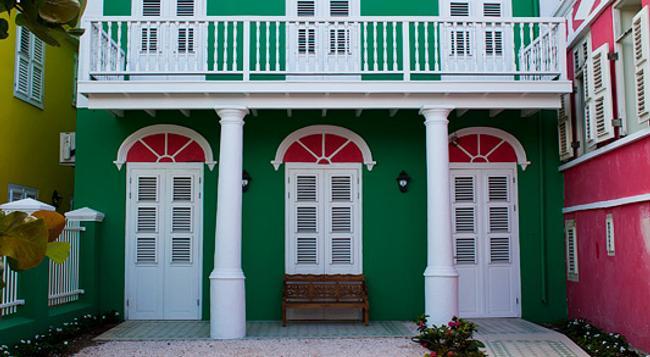 Scuba Lodge & Ocean Suites - Willemstad - Building