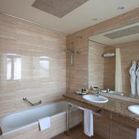 Delfin Hotel Bathroom