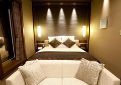 โรงแรมแกรนด์เวีย โอซาก้า - โอซาก้า - ห้องนอน