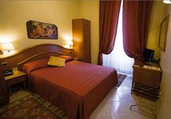 Hotel Dolomiti - โรม - ห้องนอน