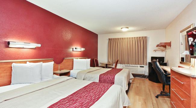 Red Roof Inn Santa Ana - Santa Ana - Bedroom
