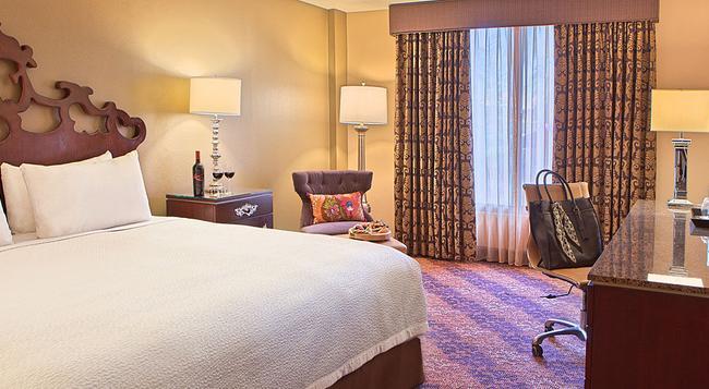Castle Hotel Autograph Collection - Orlando - Bedroom