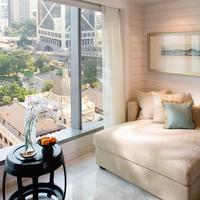 Mandarin Oriental, Hong Kong Verandah Style Bedroom