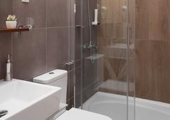 London Bed And Breakfast - สโกเปีย - ห้องน้ำ