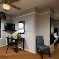 City Suites Hotel Guestroom