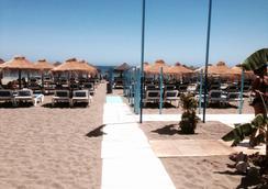 Hotel Roc Costa Park - ทอร์เรโมลินอส - ชายหาด