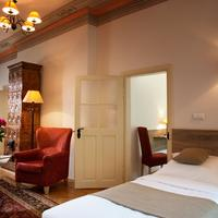 Hotel Santi Guestroom