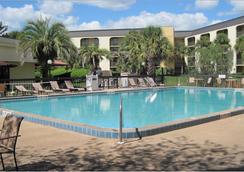 Grand Hotel Orlando - ออร์แลนโด - สระว่ายน้ำ
