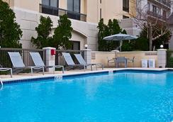 SpringHill Suites by Marriott Houston Hobby Airport - ฮุสตัน - สระว่ายน้ำ