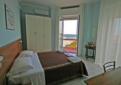 Hotel Acapulco - ริมินี - ห้องนอน