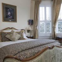 Washington Square Inn Guest room