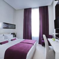 Hotel Theater Guestroom