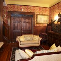 The New York Renaissance Home And Guesthouse Lobby Lounge