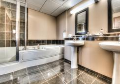 Podollan Rez-idence Grande Prairie - กรองด์ แพรรี่ - ห้องน้ำ