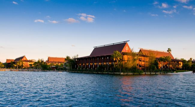 Disney's Polynesian Resort - Lake Buena Vista - Building
