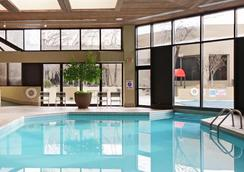 Tower Hotel Oklahoma City - โอคลาโฮมาซิตี - สระว่ายน้ำ