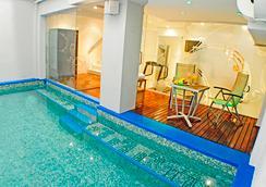 Alta Piazza Boutique Apartments - บัวโนสไอเรส - สระว่ายน้ำ