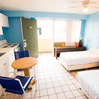 Waikiki Beachside Hostel Guestroom
