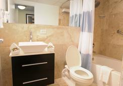 San Juan Airport Hotel - ซานฮวน - ห้องน้ำ