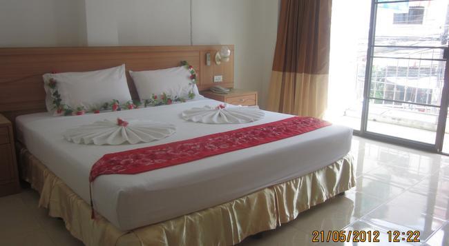 Bella Tropicana Hotel & Guesthouse - Patong - Bedroom