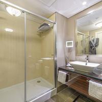 Elite World Business Hotel Bathroom Amenities