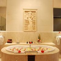 Viceroy Bali Deep Soaking Bathtub