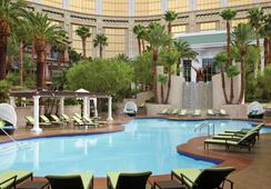 Four Seasons Hotel Las Vegas - ลาสเวกัส - สระว่ายน้ำ