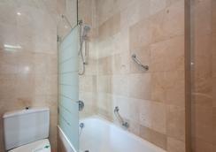 Hotel Derby Sevilla - เซบีญ่า - ห้องน้ำ