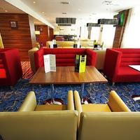 Hampton by Hilton Samara Lobby Sitting Area