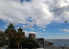 Hostal La Torre - อัลมูเญกา - ชายหาด