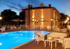 Hotel Piccolo Borgo - โรม - สระว่ายน้ำ