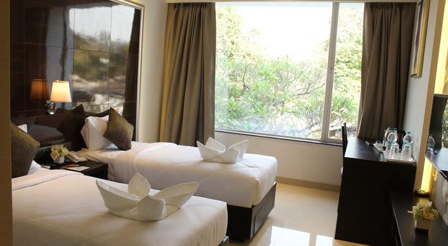 HOTEL GRAND VISAVA - Lonavala - Bedroom