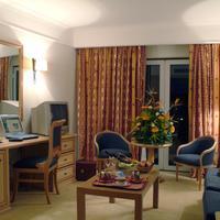 Hotel Real Palacio Living Room
