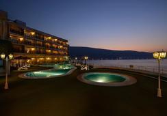 Atana Khasab Hotel - คาห์ซาบ - สระว่ายน้ำ
