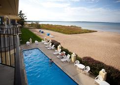 Pointes North Beachfront Hotel - ทราเวิร์สซิตี้ - ชายหาด