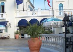 Hotel Casa Bianca al Mare - เจโซโล - ชายหาด