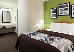 Sleep Inn & Suites Airport - โอมาฮา - ห้องนอน