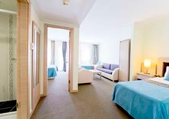 Sealife Family Resort Hotel - อันตัลยา - ห้องนอน