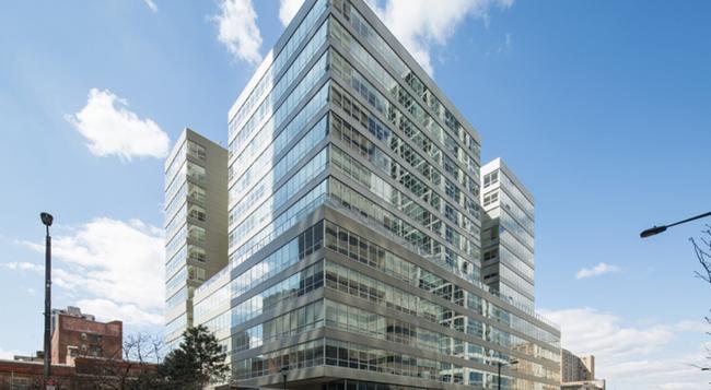 Philly Stays 2040 Market St - Philadelphia - Building
